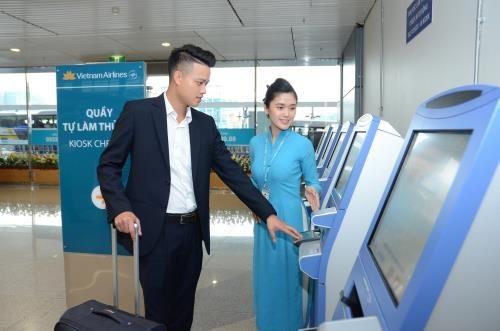 Instala aerolinea vietnamita quioscos de autoservicio en Aeropuerto Internacional de Londres hinh anh 1