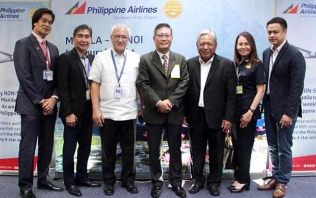 Vuelos directos entre Manila y Hanoi impulsaran cooperacion en turismo y cultura hinh anh 1
