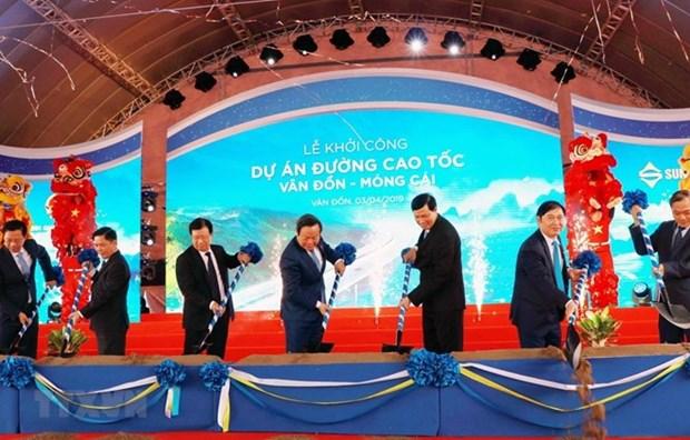 Inician en Vietnam construccion de la autopista Van Don-Mong Cai hinh anh 1