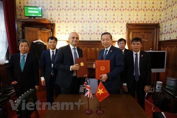 Intensifican Vietnam y Reino Unido cooperacion en lucha contra trata de personas hinh anh 1
