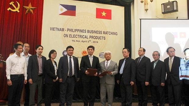 Buscan Vietnam y Filipinas oportunidades de cooperacion en industria manufacturera hinh anh 1