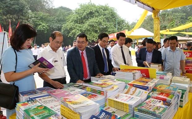 Inauguran feria de libros en ocasion del Festival del Templo de Reyes Hung hinh anh 1