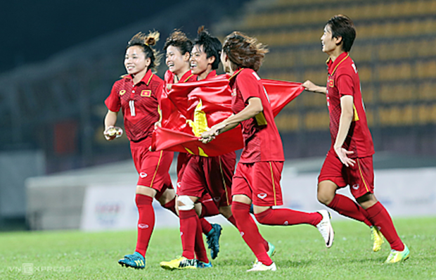 Derroto Vietnam a Hong Kong en juego clasificatorio de futbol femenino para Olimpiadas 2020 hinh anh 1
