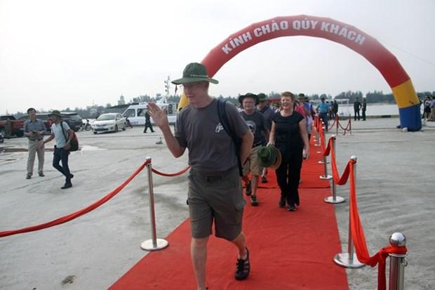 Visitan turistas extranjeros en crucero provincia vietnamita de Quang Tri hinh anh 1