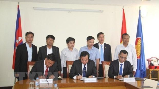 Fomentan Vietnam y Camboya cooperacion en educacion hinh anh 1