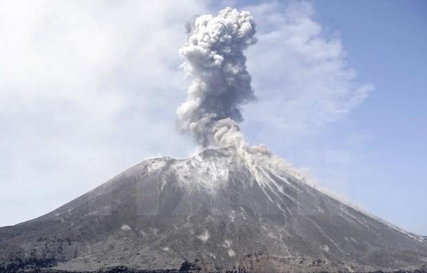 Instalara Indonesia sistema de alerta de tsunami cerca del volcan Krakatau hinh anh 1