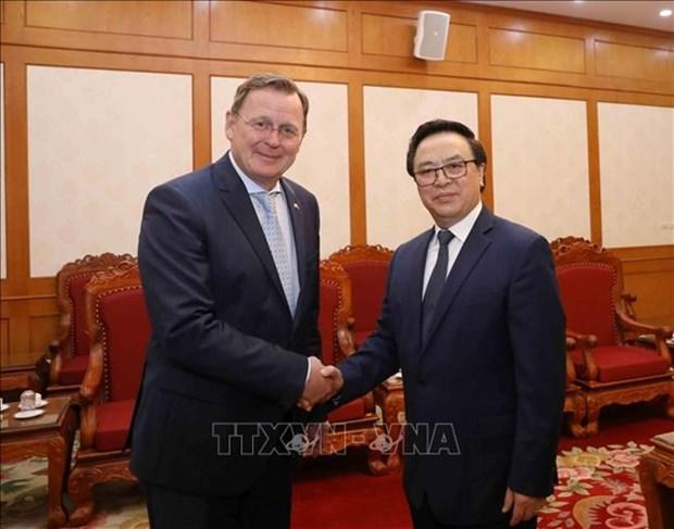 Reafirma alto dirigente partidista de Vietnam importancia de vinculos con localidades alemanas hinh anh 1