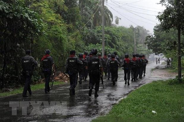 Escalan enfrentamientos entre el Ejercito de Myanmar y grupos rebeldes hinh anh 1