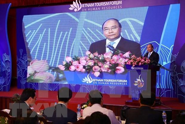 Exhorta premier de Vietnam a explotar potencialidades de la comunidad para desarrollar el turismo hinh anh 1