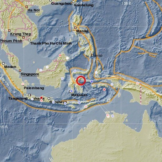 Levantan alerta de tsunami en Indonesia tras sismo de magnitud 6,8 hinh anh 1