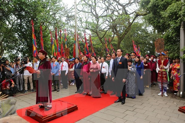 Rinden en Vietnam homenaje a los Reyes Hung hinh anh 1