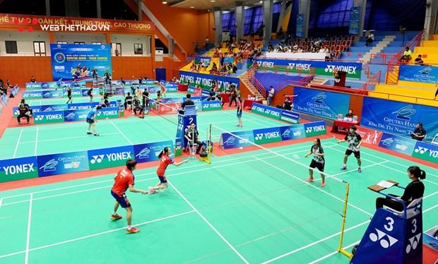 Triunfan deportistas indochinos en Torneo Internacional de Badminton en Vietnam hinh anh 1