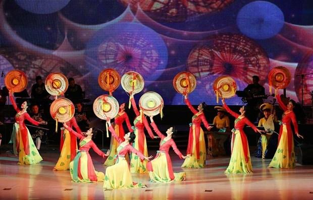Actuan en Corea de Norte artistas populares vietnamitas hinh anh 1
