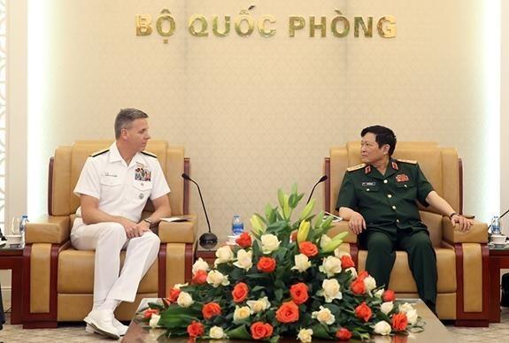Fomentan Vietnam y EE.UU. colaboracion militar hinh anh 1