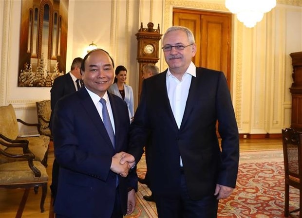 Concluyo premier vietnamita visita oficial a Rumania hinh anh 1
