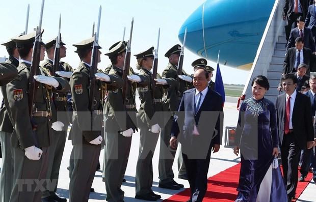 Primer ministro Nguyen Xuan Phuc comienza visita a Republica Checa hinh anh 1