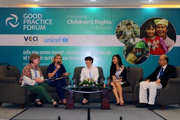 Efectuan en Vietnam foro sobre el respeto por las empresas de los derechos de los ninos hinh anh 1