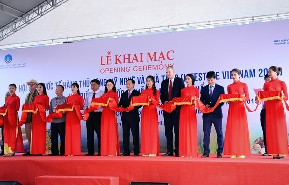 Promocionan productos artesanales vietnamitas en ferias internacionales en Ciudad Ho Chi Minh hinh anh 1