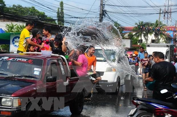 Mueren en Tailandia casi 300 personas en accidentes de trafico durante el festival Songkran hinh anh 1