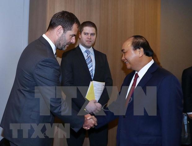 Insta primer ministro de Vietnam al aumento de las inversiones checas en su pais hinh anh 1