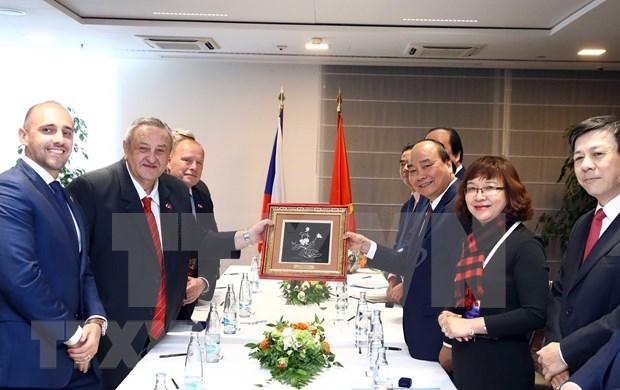 Destacan premier vietnamita aportes de Union de Asociaciones de connacionales en Europa hinh anh 2