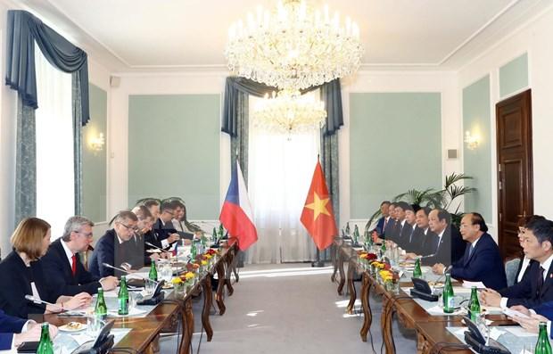 Vietnam y Republica Checa acuerdan fortalecer nexos comerciales y turisticos hinh anh 1