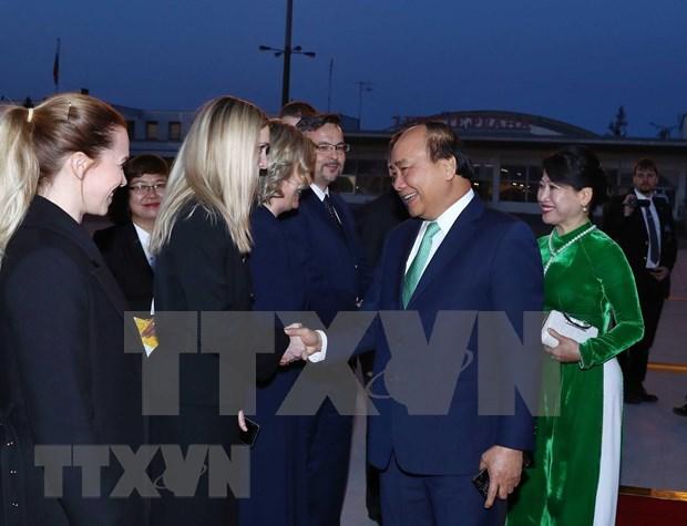 Concluyo premier de Vietnam gira por Rumania y Republica Checa hinh anh 1