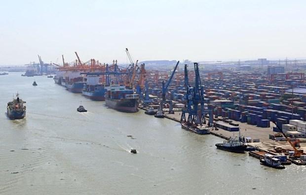 Atraen la construccion de fabricas y los servicios logisticos a inversores extranjeros en Vietnam hinh anh 1