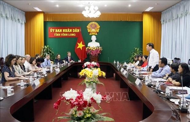 Delegacion parlamentaria estadounidense visita provincia survietnamita hinh anh 1
