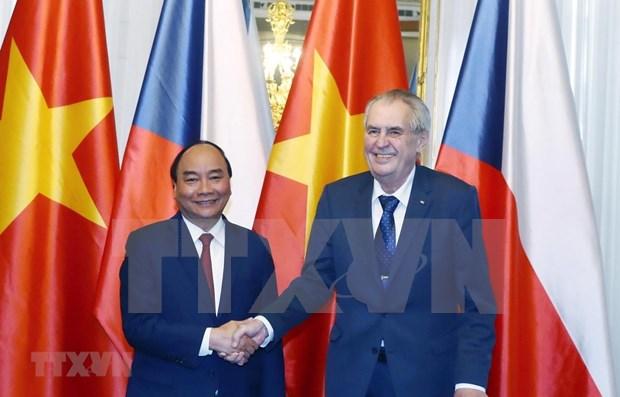 Opiniones publicas checas aplauden resultados de visita del premier vietnamita hinh anh 1