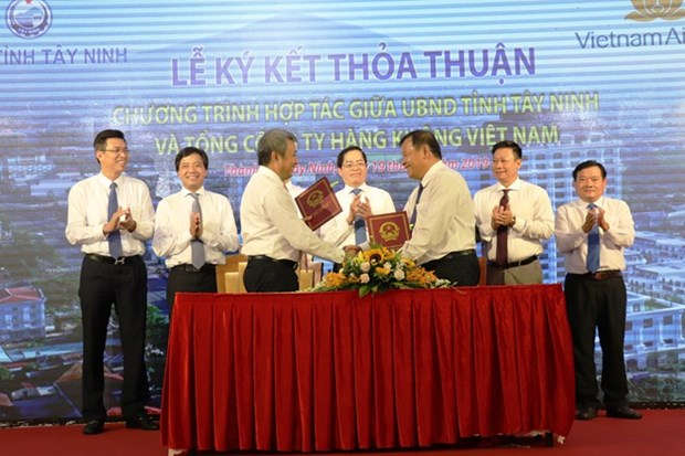 Promociona Vietnam Airlines imagen de provincia surena Tay Ninh hinh anh 1