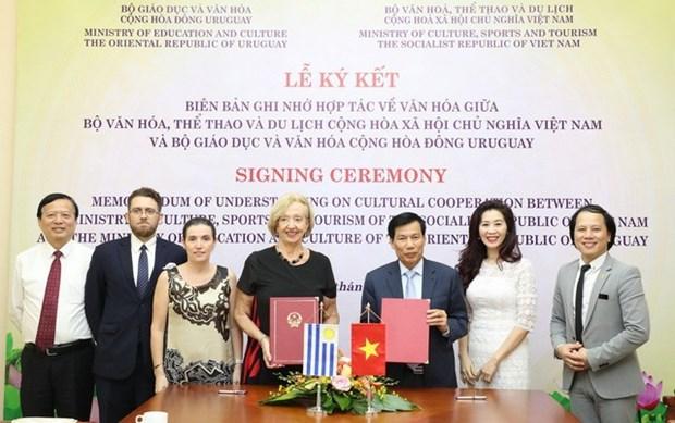 Aspira Uruguay a impulsar cooperacion con Vietnam en cultura y deportes hinh anh 1