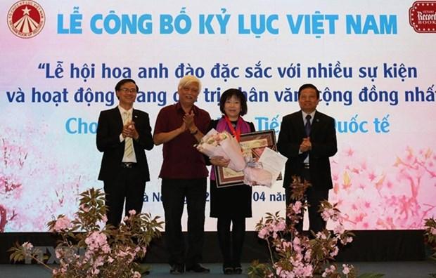 Otorgan en Vietnam registro al Festival japones de la flor de cerezo hinh anh 1