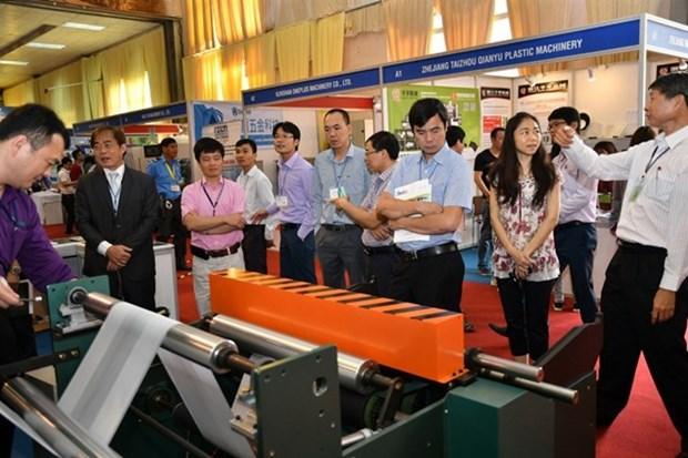 Inauguran en Hanoi exhibicion de productos de plastico, imprenta y embalaje hinh anh 1