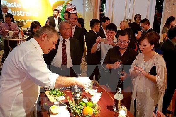 Promoveran gastronomia australiana en Vietnam hinh anh 1