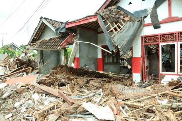 Terremoto de magnitud 5,8 sacude Indonesia hinh anh 1