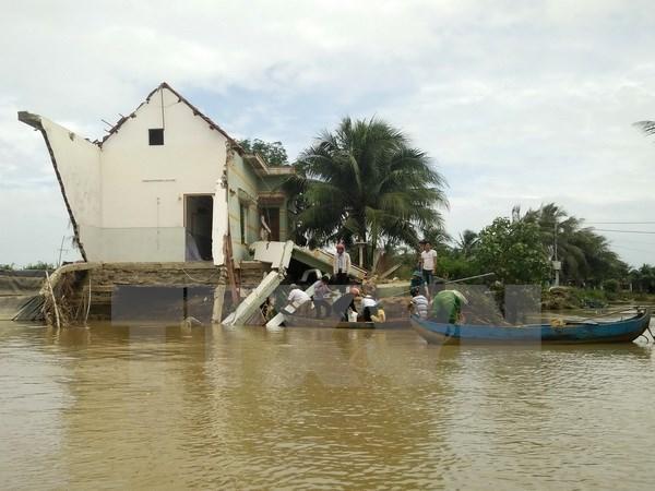 Ensayan alumnos vietnamitas acciones para prevenir desastres naturales y combatir el cambio climatico hinh anh 1
