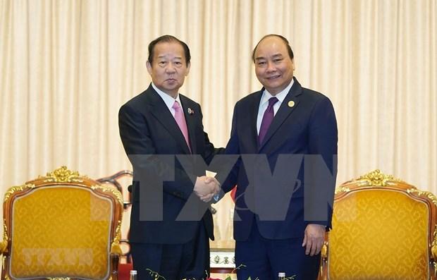 Premier vietnamita recibe al lider del Partido Liberal Democratico de Japon hinh anh 1