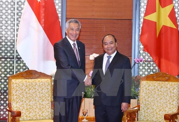 Premier vietnamita se reunio con su homologo de Singapur hinh anh 1
