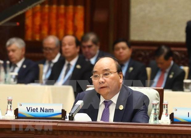 Premier vietnamita interviene en mesa redonda de lideres del Foro de la Franja y la Ruta hinh anh 1