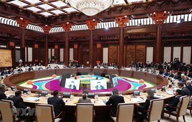 Premier vietnamita asiste a mesa redonda de lideres del Foro de la Franja y la Ruta hinh anh 1