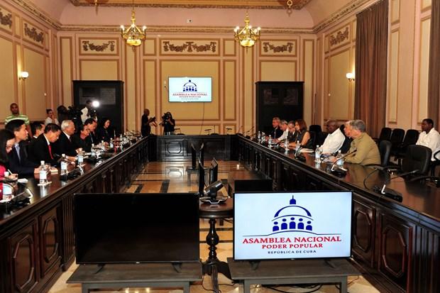 Parlamentos vietnamita y cubano reiteran disposicion de fortalecer cooperacion hinh anh 2