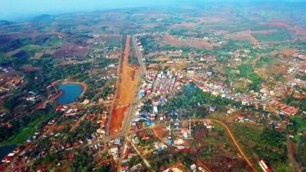 Vietnam invierte en 190 proyectos en Camboya hinh anh 1