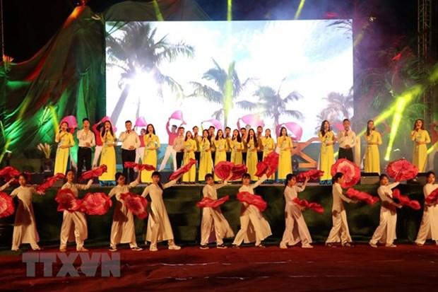 Efectuan en Vietnam programa artistico en conmemoracion de efemerides nacionales hinh anh 1