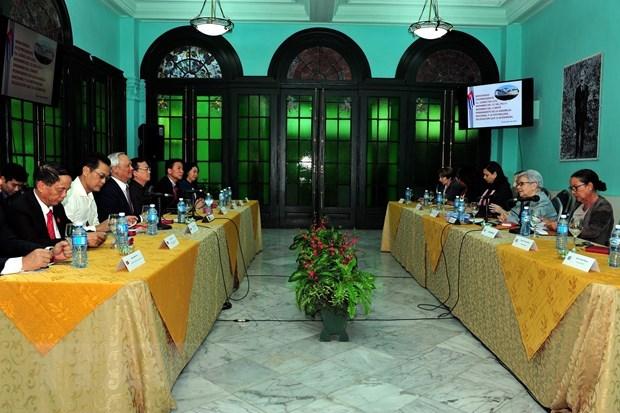 Vietnam y Cuba intercambian experiencias sobre elaboracion de politicas hinh anh 1