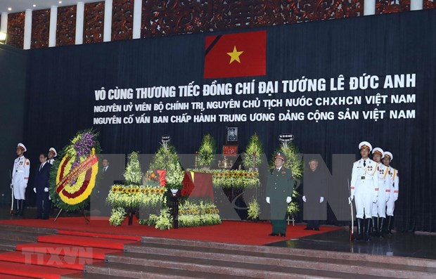 Rinden en Vietnam homenaje postumo al expresidente Le Duc Anh hinh anh 1