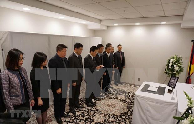 Efectuan en numerosos paises actos de homenaje postumo al expresidente vietnamita Le Duc Anh hinh anh 1