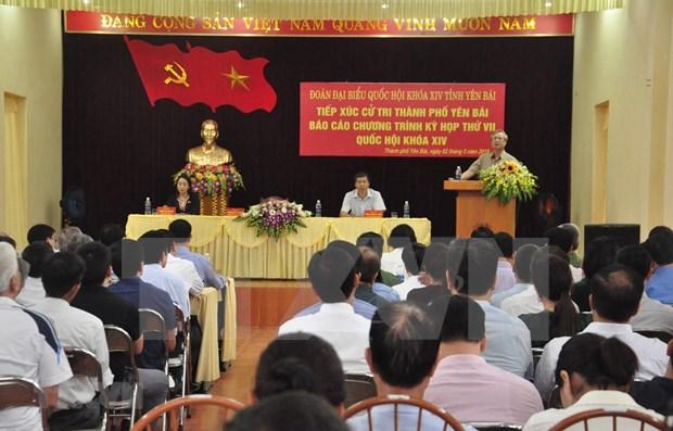 Dirigentes vietnamitas sostienen contactos con electores de cara a proximas sesiones parlamentarias hinh anh 1