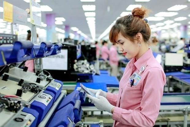 Hanoi capta inversiones en las industrias auxiliares hinh anh 1