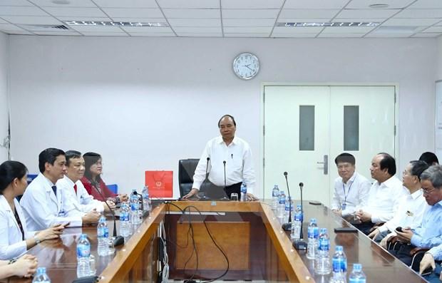 Pide premier de Vietnam movilizar mas inversiones en modernizacion de hospitales hinh anh 1